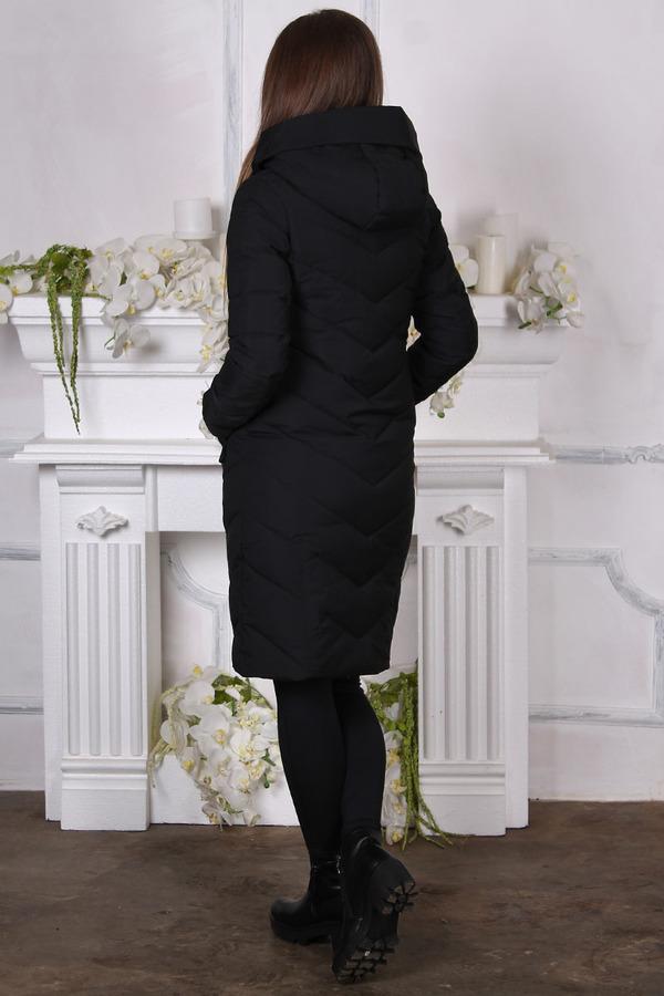 Черный пуховик большого размера с капюшоном
