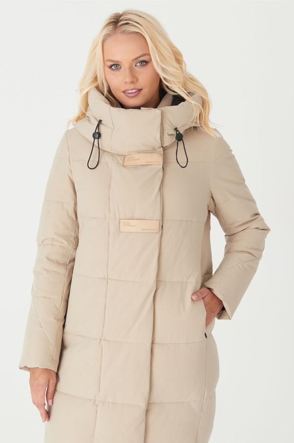 Зимняя куртка с мехом енота на капюшоне