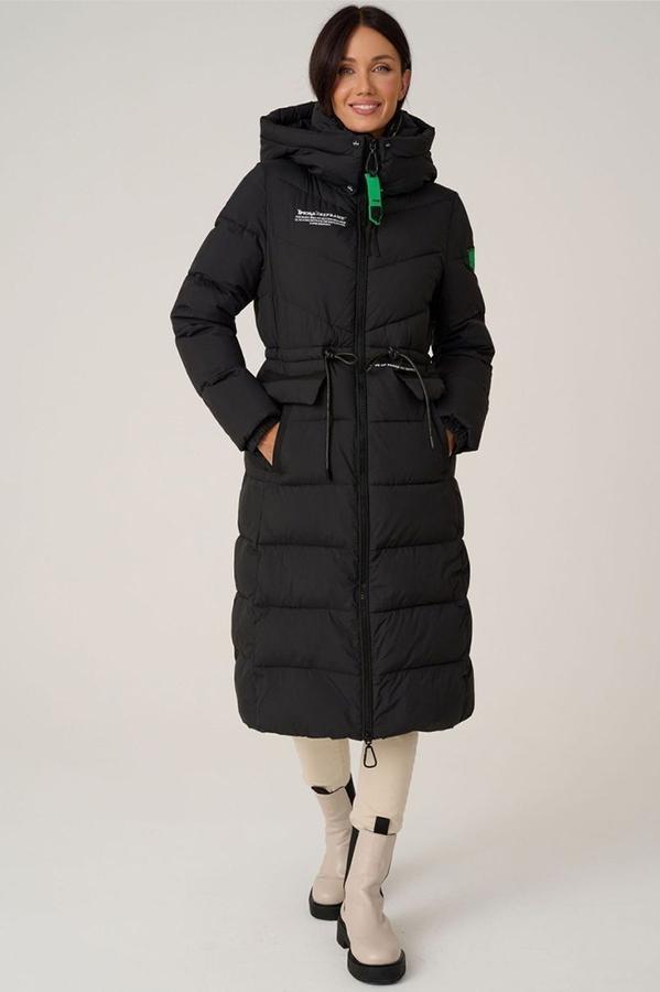 Молодежный пуховик с  накладными карманами и капюшоном