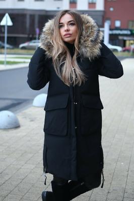 Теплый пуховик с накладными карманами черный