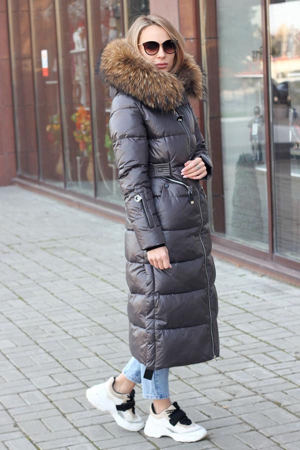 Зимняя длинная куртка 2021 года на пуху с пером